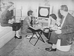 1952FamilyEatingTVDinners_thumb