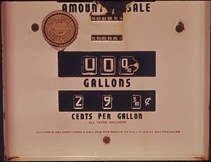 300px-SIGN_OF_THE_PAST_IS_THIS_ABANDONED_GASOLINE_PUMP_WITH_A_PRICE_OF_29.9_CENTS_PER_GALLON._THE_COST_OF_FUEL_HAS_MADE..._-_NARA_-_555508