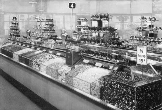 F w woolworth baby boomer reflections Five and dime stores history